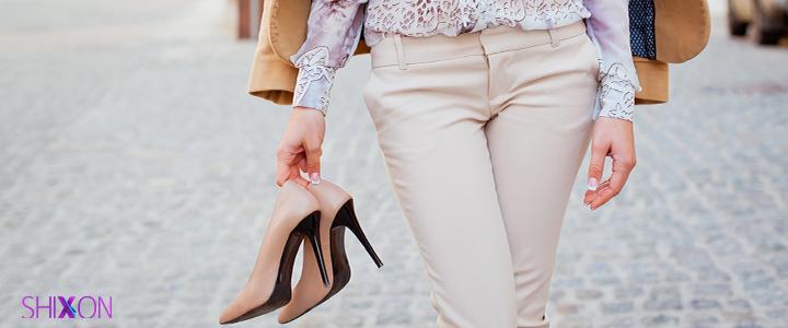 با کفش های رنگی خود چه رنگی بپوشیم؟
